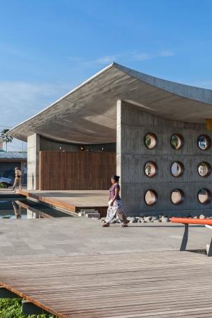 Principal - Yadhira Álvarez, Natalia Corral, MCM+A taller de arquitectura. Parque central del Coca. Puerto Francisco de Orellana, Coca 001