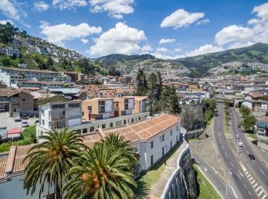 Yadhira Álvarez, Natalia Corral, MCM+A taller de arquitectura. Conjunto residencial Hotel Colonial. Quito. 001
